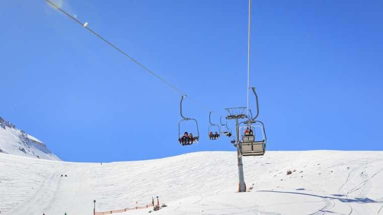 Teleferikleri ile sınırsız kayak ve gezi keyfi